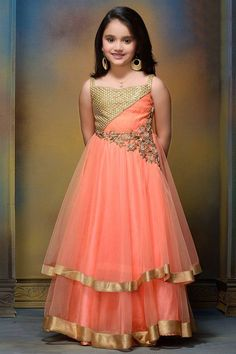 Indian fashion has changed with each passing era. The Indian fashion industry is rising by leaps and bounds, and every month one witnesses some new trend o Little Girl Fashion, Little Girl Dresses, Kids Fashion, Girls Dresses, Formal Dresses, Kids Party Wear, Kids Wear, Kids Dress Patterns, Dress Anak