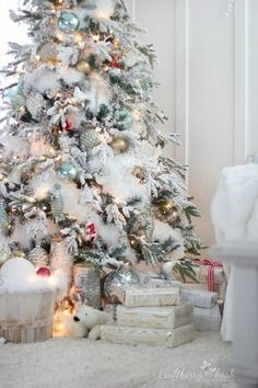 """Cristhmas Tree Decorations Ideas : The flocked tree – secret garland revealed """"I drove to the Dollar Store and… White Christmas Tree Decorations, Snowy Christmas Tree, Beautiful Christmas Trees, Pink Christmas, Rustic Christmas, Christmas Home, Christmas Holidays, Flocked Christmas Trees Decorated, Christmas Mantles"""