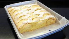 Absolutně jednoduchý ovocný koláč, který si rychle upečete, když vás přepadne chuť na sladké. Tento koláček ocení malí i velcí Vanilla Cake, Sweet Recipes, Tea Time, Banana Bread, Delish, French Toast, Sweet Tooth, Cheesecake, Food And Drink