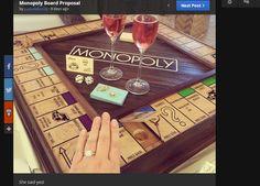 Miehen suloinen kosinta ihastuttaa: Sormus piilotettuna tilaustyönä tehtyyn Monopoly-peliin - katso kuvat