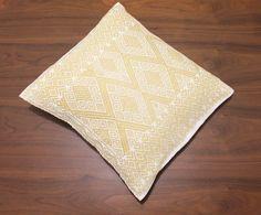 Hand #woven pillow completely #handmade using the back strap loom technique. Made in San Andrés Larrainzar, Chiapas, México.  #boho #homedecor #bohopillow #fairtrade #etsy #etsylovers #cushion