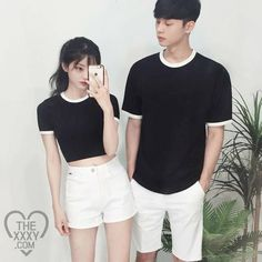 cool idea to flaunt when you're looking for matching outfits. A cool idea to flaunt when you're looking for matching outfits. on Stylevore Matching Couple Outfits, Matching Couples, Cute Couples, Mode Ulzzang, Ulzzang Girl, Outfits For Teens, Casual Outfits, Cute Outfits, Ulzzang Fashion