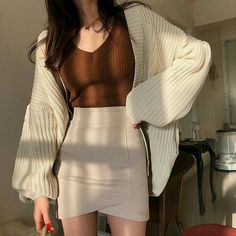 Daily modern fashion trends 🧡 Source by charlottemjahn cute corea. - Daily modern fashion trends 🧡 Source by charlottemjahn cute coreanos Source by IIrmaHodkiewiczDresses - Korean Fashion Styles, Korean Street Fashion, Asian Fashion, Korean Girl Fashion, Korea Fashion, Korean Style, Tokyo Fashion, Mode Outfits, Korean Outfits