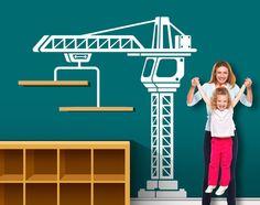 Deze constructie kraan vinyl decal is hard aan het werk hijs planken vol met knuffels op de wand. We ontwierpen deze grote en gedurfde sticker voor de Lego gebouw, blok stapelen, en plastic helm dragen van kiddo. Deze constructie kraan zal inspireren van de bouwer van uw kleine verbeelding in elke bouw thema slaapkamer, speelkamer of kinderkamer. DECAL DETAILS --------------------------------------------------- * Matte afwerking * 82 H x 74 W * Wordt geleverd in 3 eenvoudig te installeren…