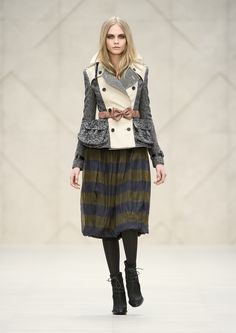 Burberry Prorsum Womenswear Autumn/Winter 2012 Show  STRICTLY FOR THE BELT (: