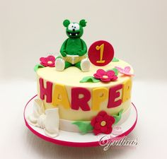 Gummy Bear Cakes, Gummy Bears, Bear Birthday, Birthday Cakes, Bear Party, Custom Cakes, Fondant, Parties, Facebook