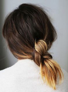 Hair Inspiration How To Low Knotted Knot Ponytail Ombre Hair Knot Ponytail, Hair Knot, Knot Braid, Messy Ponytail, Messy Buns, Braid Hair, Hair Tie, Summer Hairstyles, Pretty Hairstyles