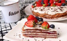 Palacinková torta kombinuje to, čo miluje asi každý a navyše má v jednom kúsku 10 gramov bielkovín (Recept)