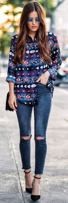 #fall #street #style | Statement Printed Blouse + Jeans