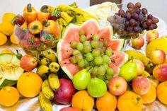 Muita gente tem colocado mesa de frutas...é um sucesso por aqui!Vale ...