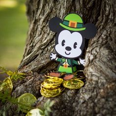 Top Disney St. Patrick's Day Crafts & Recipes  #stpatricksday #crafts #recipes