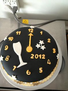 New Years cake ~ Hmmmm shall I?