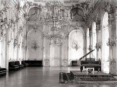 Királyi palota, díszterem Old Pictures, Old Photos, Vintage Photos, Buda Castle, Budapest Hungary, Eurotrip, Historical Photos, Vienna, Palace