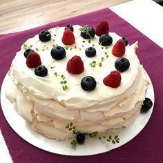 Gustoe | Lenkine koláčiky Mini Pavlova, Cheesecake, Ale, Desserts, Food, Meal, Cheesecakes, Ale Beer, Deserts
