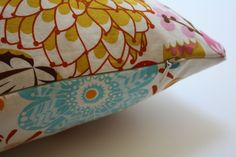 zippered pillow cover tutorial -- i really need to learn how to sew