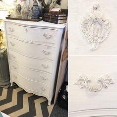 Another shot of the sweet #shabbychic #whitewashed #dresser @curiositiesvintage right now! #paintedfurniture #beaverton #serpentine #white #decor