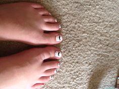 Mustache toe nails