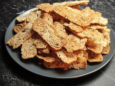 Cukroví: Zůstaly vám vaječné bílky? Upečte si ořechové chipsy! - Žena.cz - magazín pro ženy Hummus, Cereal, Sweets, Ethnic Recipes, Breakfast, Party, Food, Diy, Crafts