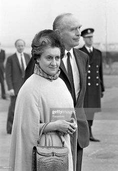 London, England, October Indian Prime Minister Mrs, Indira Gandhi is greeted by British Foreign Secretary Sir Alec Douglas-Home as she arrives at Heathrow airport for Downing Street talks Get premium, high resolution news photos at Getty Images Indira Ghandi, Calming Pictures, First Prime Minister, Rajiv Gandhi, History Of India, Party Pictures, Great Leaders, Historical Pictures