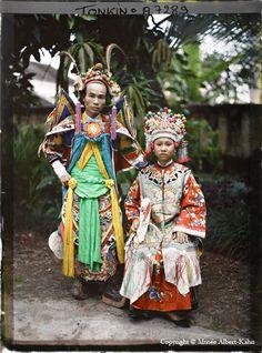 Actors from the Saigon Theatre, Vietnam, photographed around November 1915 - Albert Kahn Collection