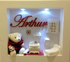 Enfeite para porta de maternidade e para quarto de menino.  Com lindo ursinho de pelúcia com uniforme do time e LEDs brancos!  Personalizamos com o time que desejar.    Garantia: 3 meses