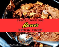 Are you looking for a yummy crock pot dessert? Are you a Reese's Peanut Butter...