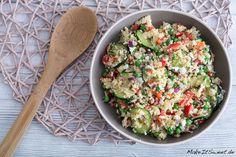 Couscous Salat mit Zucchini, Feta, Paprika und Erbsen Rezept - MakeItSweet.de