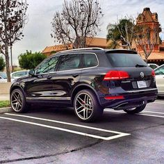 2013 volkswagen touareg with 20 lexani wheels by wheel specialists inc in tempe az click to. Black Bedroom Furniture Sets. Home Design Ideas