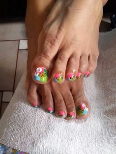 Multicolor toe nail design