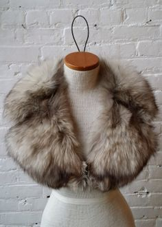 70s Gray Fox Fur Wide Notch Collar by UrbanXchange on Etsy, $52.00