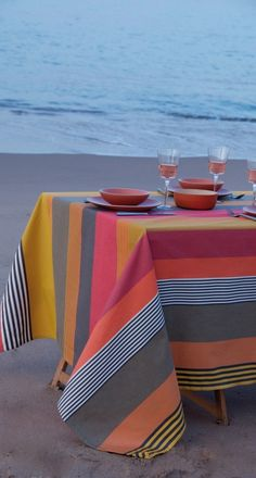 Home Related Magazine That Tells About Home Products Retro Caravan, Basque Country, Deco Table, Striped Fabrics, Zara Home, Table Linens, Ottoman, Outdoor Furniture, Table Decorations