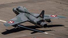Hawker Hunter Amici dell'Hunter officiel Ex Swiss Air Force J-4201 – à Flugplatz St. Stephan.-21199721_1557920850931695_9156081384047722432_o.jpg (1920×1080)