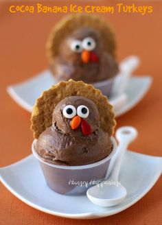 These adorable Cocoa Banana Ice Cream Turkeys are healthy and super simple to make that kids will have a blast this Thanksgiving.   HungryHappenings.com