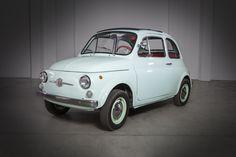 Fiat 500, Pontiac Bonneville, Jaguar E Type, Rolls Royce, Volvo, Mustang, Mercedes Benz, Porsche, Ford