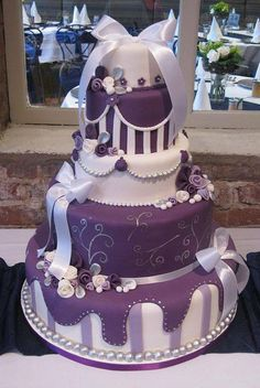 purple and white wedding cake Round Wedding Cakes, Purple Wedding Cakes, Beautiful Wedding Cakes, Gorgeous Cakes, Pretty Cakes, Cute Cakes, Amazing Cakes, Unique Cakes, Creative Cakes