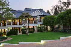 Photo Gallery for Rivonia Premier Lodge Home And Away, Bed And Breakfast, Ideal Home, South Africa, Photo Galleries, Mansions, Elk, House Styles, Ideal House