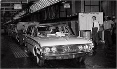 Job number the last Edsel to be built, a tan station wagon, rolls off the Ford Motor Company assembly line with no fanfare in Louisville, Ky. Edsel Ford, Old Vegas, Old American Cars, Detroit History, Ford Ltd, Today In History, Truck Design, Henry Ford, Ford Motor Company