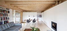 Serene, minimalist beach house in Auckland – Designhunter – Sustainable Architecture with Warmth & Texture