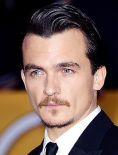 Rupert Friend - SAG Awards / OMG, how is this man not a huge heart throb name in the US? I just discovered him in the movie Mrs Palfrey at the Claremont. What a smile!