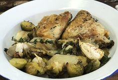 Recipe for Parmesan topped Thyme Roast Chicken thighs with roast Brussels sprouts and onion. Healthy Family Meals, Healthy Snacks, Roasted Chicken Thighs, Chicken Parmesan Recipes, Cooking Classes, Casserole Dishes, Stuffed Peppers, Food, Women