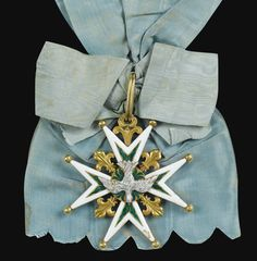Military Orders, Grand Cross, 18th Century Costume, Royal Art, Saint Esprit, Vintage Cycles, Colonial America, Tiaras And Crowns, Coat Of Arms