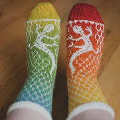 These are so cool!!! I don't know if I could pull it off, but it's definitely drawn to my rainbow loving side!