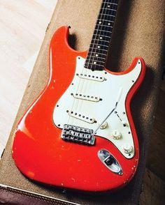 Happy #straturday! - #fender #stratocaster #strat #fenderstratocaster #fenderstrat #electricguitar #guitar #guitarra #guitars #guitarplayer #guitarlove