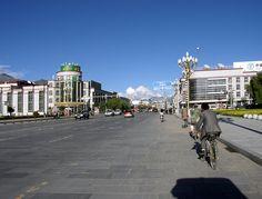 Lhasa from Potala place - Lhassa — Wikipédia