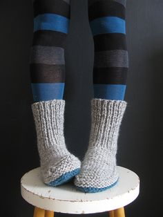 Free nola's slipper knit pattern. I WILL get some wool yarn and knit myself several pair of these. I love that they are like socks to keep my ankles warm and toasty!
