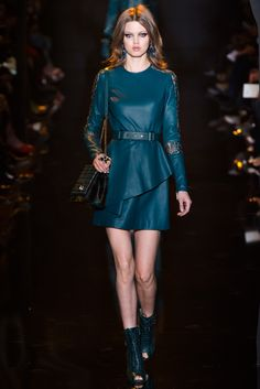 http://www.style.com/slideshows/fashion-shows/fall-2015-ready-to-wear/elie-saab/collection/38