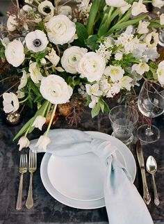 La Tavola Fine Linen Rental: Velvet Charcoal with Tuscany Ocean Napkins | Photography: Christina McNeill, Floral Design: Loop Flowers, Tabletop Rentals: Bright Event Rentals, Film Processing: Richard Photo Lab