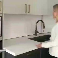 Kitchen Room Design, Modern Kitchen Design, Home Decor Kitchen, Kitchen Furniture, Kitchen Interior, Home Kitchens, Furniture Design, Kitchen Layout, Space Kitchen
