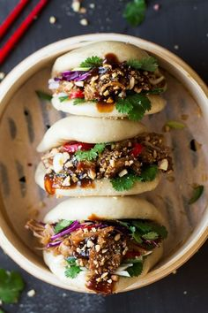 Healthy Recipes Vegan bao buns with pulled jackfruit - Lazy Cat Kitchen - Vegan bao buns are to die for and easy to make. They are filled with succulent jackfruit in a salty-sweet marinade, crunchy veggies, peanuts and herbs. Veggie Recipes, Asian Recipes, Vegetarian Recipes, Cooking Recipes, Healthy Recipes, Free Recipes, Simple Recipes, Dinner Recipes, Vegetarian Cooking