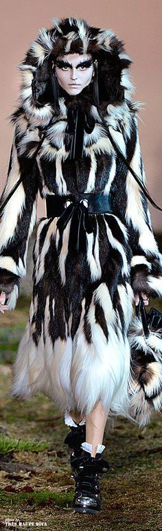 #Alexander #McQueen Fall/Winter 2014 RTW #Paris Fashion Week